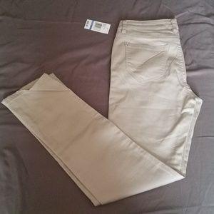 5 for 30! NWT Kenzie Light Khaki Straight Jeans